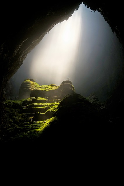 cave-1835823_640