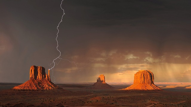 monument-valley-1593318_640