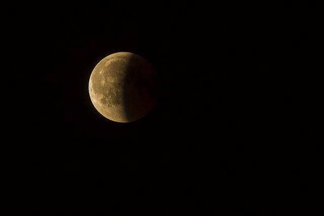 lunar-eclipse-3568836_640